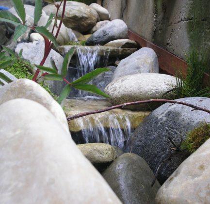 eau cascade pierre roche etang